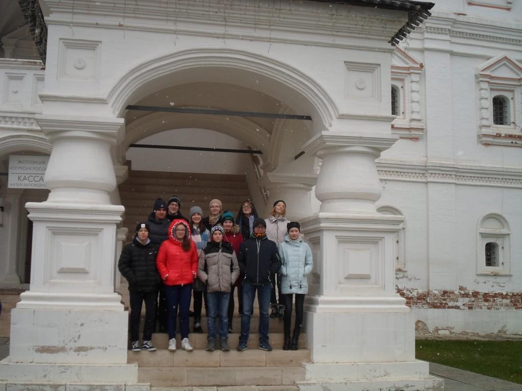 uchashchiesya-6b-9b-9v-klassov-posetili-g-ryazan-i-gosudarstvennyj-muzej-zapovednik-s-a-esenina-v-s-konstantinovo