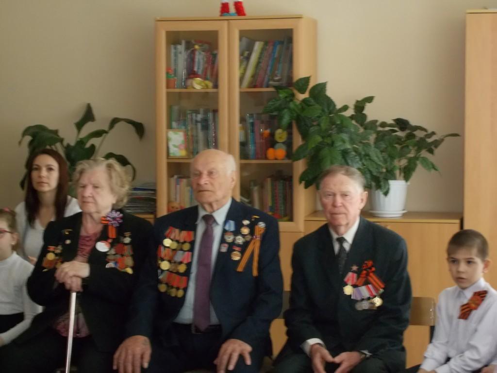 10-maya-v-1a-klass-prishli-veterany