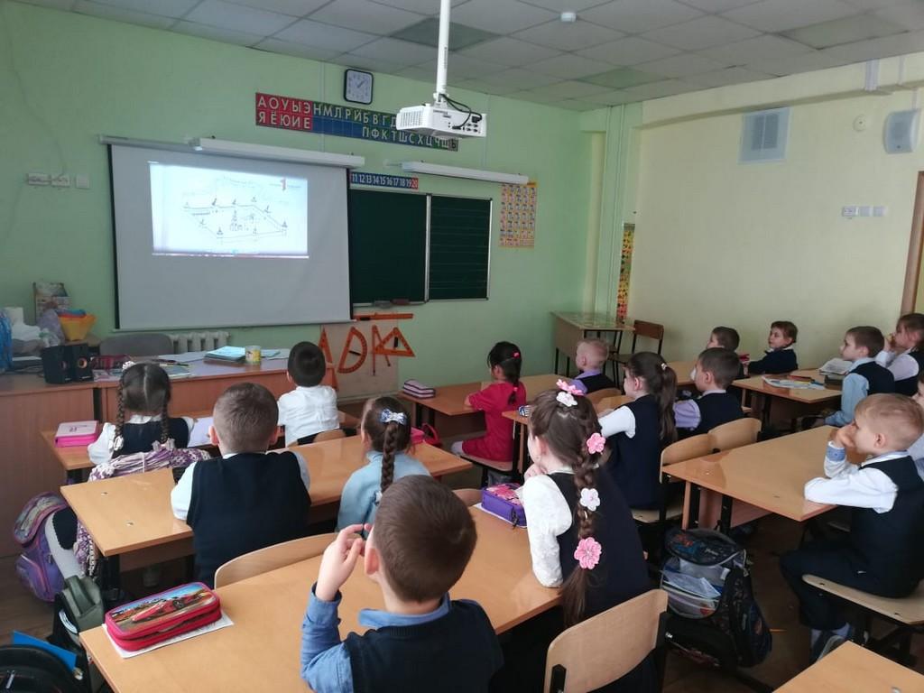 v-period-so-2-po-16-marta-v-tsentre-obrazovaniya-proshli-uroki-pamyati-posvyashchennye-500-letiyu-vozvedeniya-tulskogo-kremlya