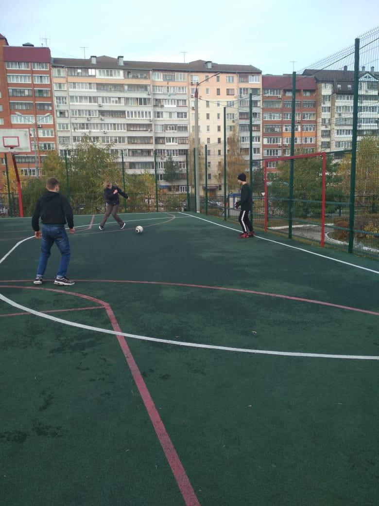 alternativnayaosen71-igra-v-futbol-starshij-otryad