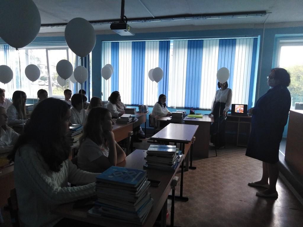 1-sentyabrya-uchashchikhsya-9kh-klassov-posetil-predstavitel-prokuratury